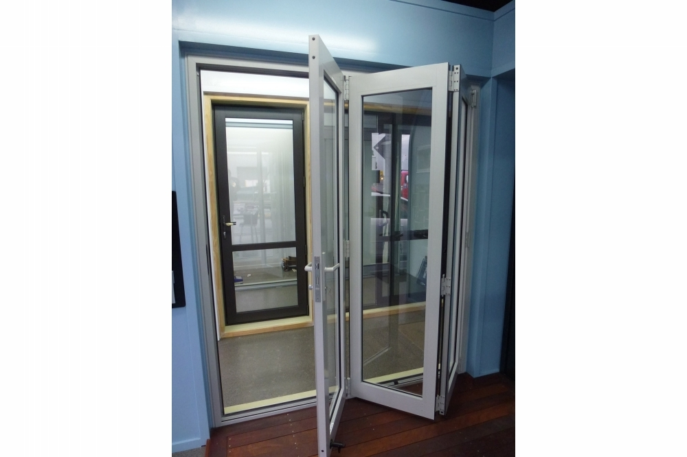Bifold Doors - Showroom 2